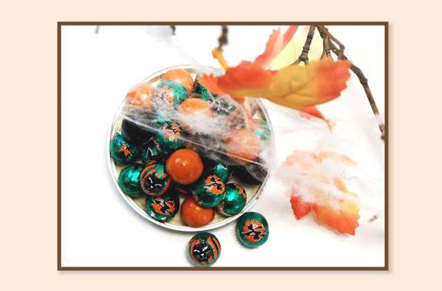 Halloween Balls Milk Chocolate: click to enlarge