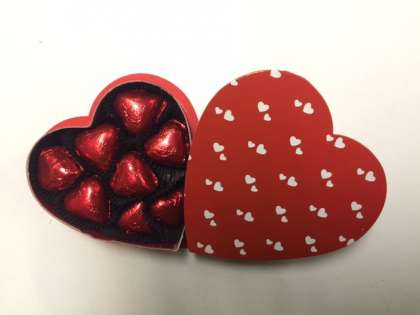 4 oz. Mini Hearts Box: click to enlarge